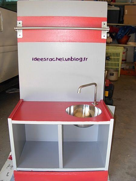 fabriquer une cuisine en bois pour petite fille. Black Bedroom Furniture Sets. Home Design Ideas