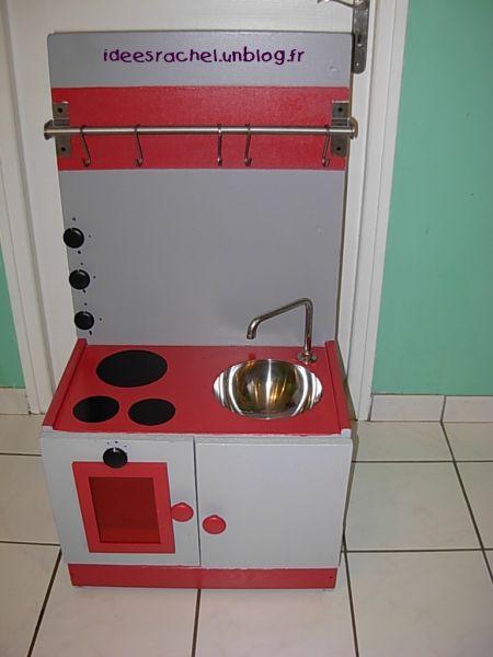 fabriquer une cuisine en bois pour enfant. Black Bedroom Furniture Sets. Home Design Ideas